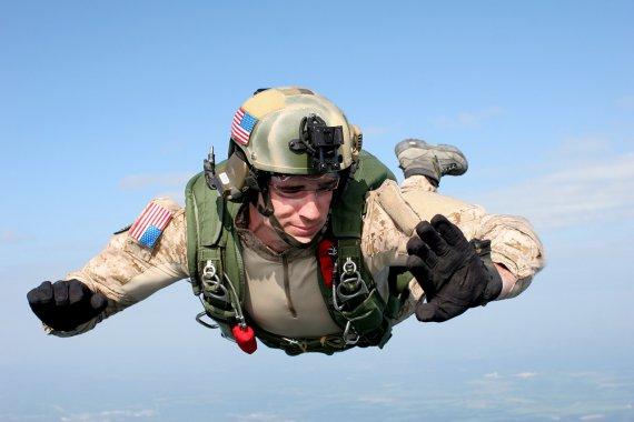 skoki spadochronowe